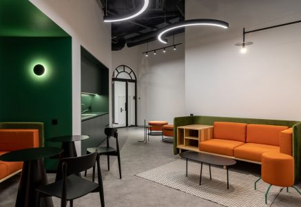 Coworking office inside - BeeWorking - kitchen - Lounge zone