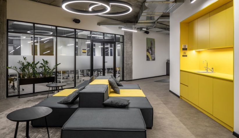 Coworking office inside - BeeWorking -Yellow Lounge Zone